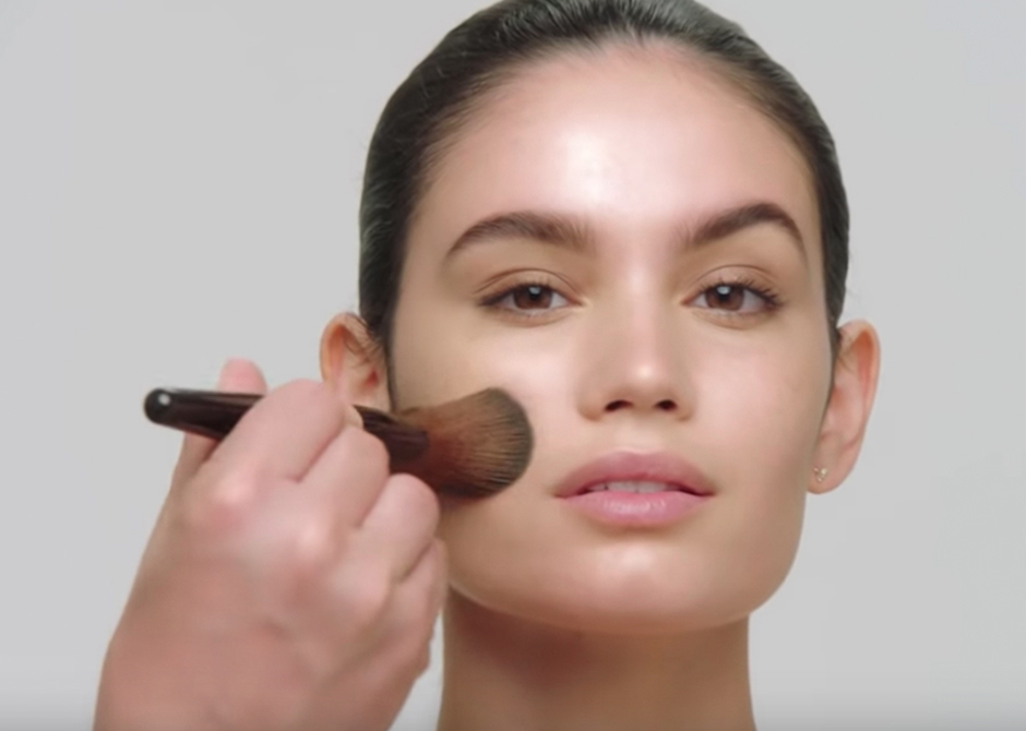 7c98cf29e07a How to Apply NEW Translucent Setting Powder Glow. videoThumbnail. Learn how Laura  Mercier ...